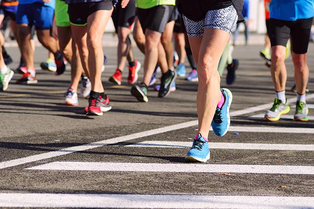 Training for a half marathon, people running