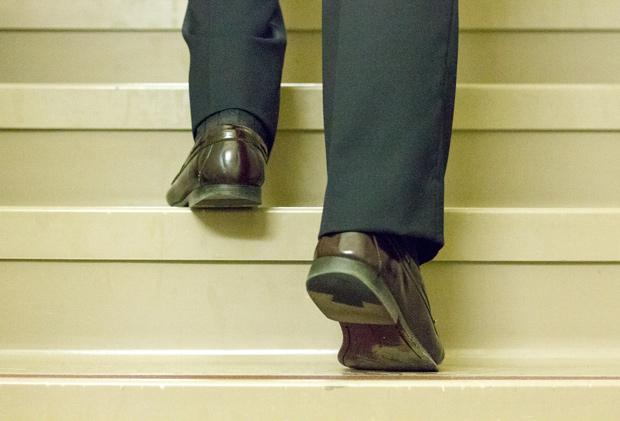 tim_butler_legs_stairs