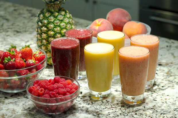 Chef Mary shows us how to make lighter versions of this summer treat, smoothies