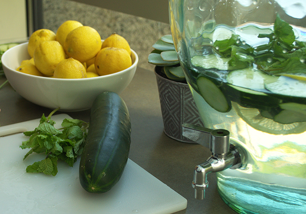 Cucumber water and lemons, benefits of cucumbers