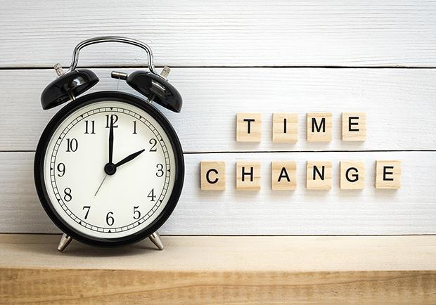 Daylight saving clock, fall backward, daylight saving tips