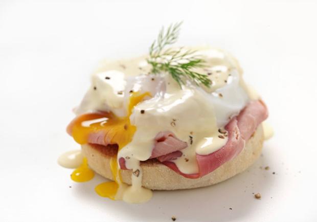 Lighter recipe for Eggs Benedict