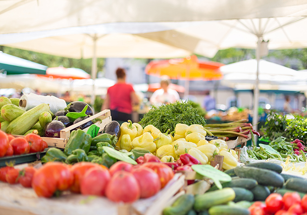 Buy local and fresh food at a Farmers Market near you