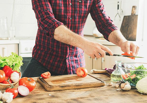 Man preparing dinner, 15 minute meal ideas