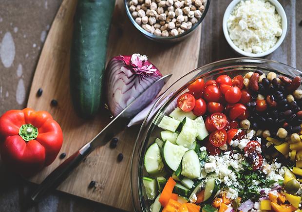 Mediterranean-Bean-Salad-Benefits-Diet