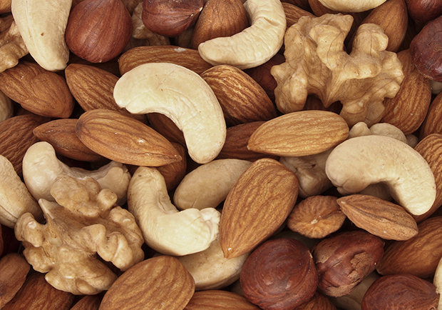 The benefits of eating nuts, peanuts, almonds, cashews, walnuts